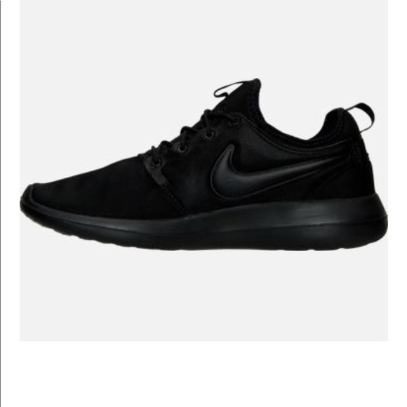 Nike Other - NIKE MEN ROSHE TWO